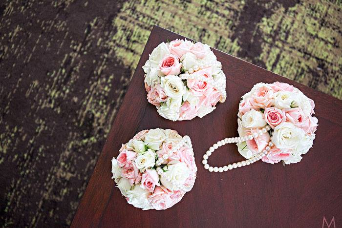 Pomanders or flower balls for flower girls