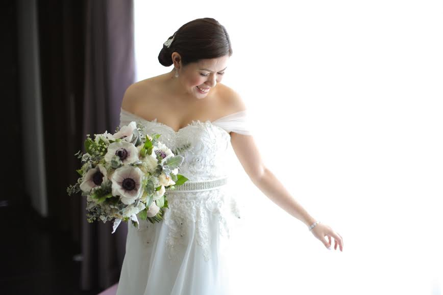 The bride with our gorgeous bouquet of flowers